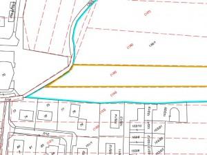 """GRAFICKÁ IDENTIFIKÁCIA                                                                                                                                                                                                                                                   Legenda:   červeným - parcely registra """"E""""   žltým - hranice parcely číslo 135 registra """"E""""                                                                čiernym - parcely registra """"C""""    modrým - hranice parcely číslo 130/1 registra """"C"""""""
