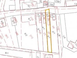 "SPÄTNÁ GRAFICKÁ IDENTIFIKÁCIA                                                                                                                                                                                                                                     Legenda:   červeným - parcely registra ""E""   žltým - hranice parcely číslo 5 registra ""E""                                                                   čiernym - parcely registra ""C"""