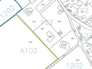 """ÚZEMNO PLÁNOVACIA INFORMÁCIA                                                                                                                                                                                                                                     Legenda:   čiernym - parcely registra """"C""""   žltým - hranice bloku A102 (stavebné pozemky)                                                                                           modrým - hranice bloku 1202 (poľnohospodársky pozemok)"""