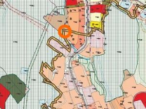 ÚZEMNO PLÁNOVACIA INFORMÁCIA                                                                                                                                                                                                                                     Ukážka z územného plánu mesta         oranžový krúžok: oblasť, v ktorej leží parcela 151/2